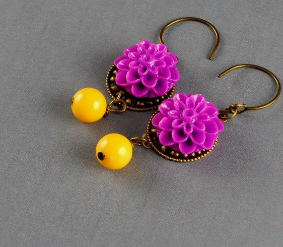 Dainty Bright Purple Flower Vintage Plastic Yellow Earrings