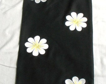 Beautful black and white table runner  54×14