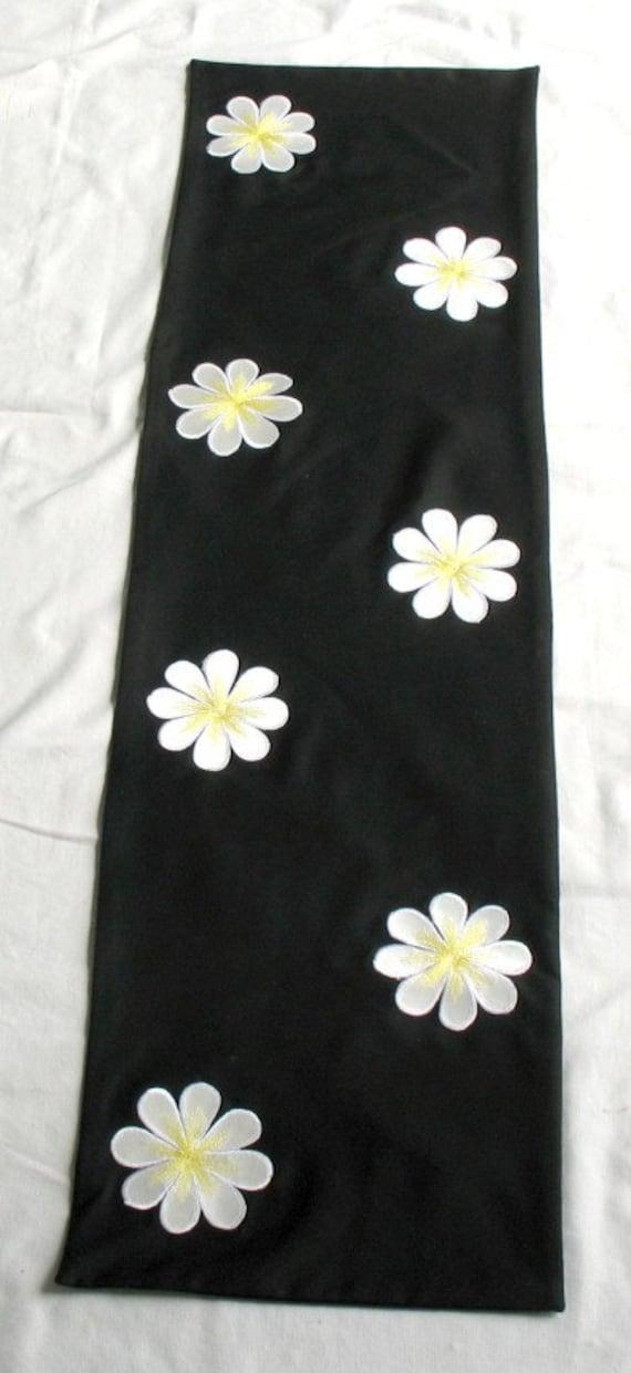 Beautful black and white table runner  54×14