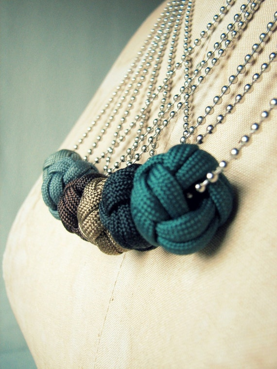 Turks Knot Necklace in Night