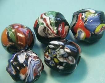 Lot of 5 gorgewous large vintage 1980s handworked slightly oval multicolor on blacl base glass beads
