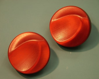 Lot of 4 vintage 1950s unused orangered  plastic buttons with brass loops for your sewing/decoration prodjects