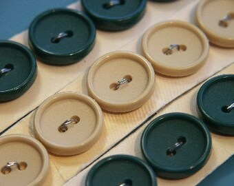 Lot of 15vintage 1960s unused small dark forest green and creame yellow plastic buttons still on card