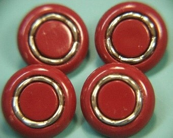 Lot of 6 vintage 1970s unused vinered plastic/metal buttons for your sewing prodjects