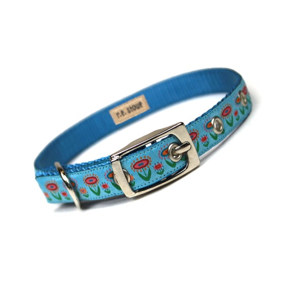 SALE - blue scandinavian blossoms metal buckle dog or cat collar (1/2 inch)
