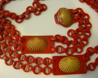 Vintage Celluloid Plastic Chain Belt Art Deco Seashell Motif 1940's