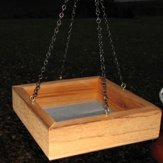 Cedar Platform Birdfeeder