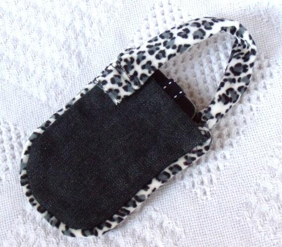 What Spots Smart Phone Pouch Bag Case Black and White Leopard Purse Accessory