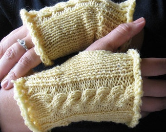 Butter Yellow Cable Gloves