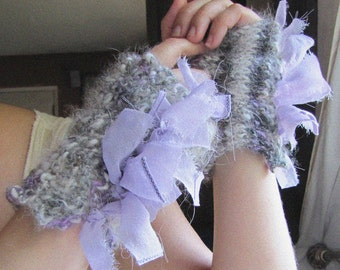 Casually Ruffled Mitts - Hand Spun, Hand Knit - French Lavender