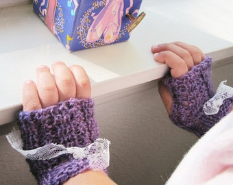 Childrens Fingerless Mittens - Tiny Victorian