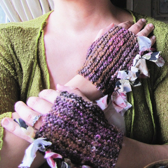 Casually Ruffled - Hand Spun, Hand Knitted Mitts - Damask Rose