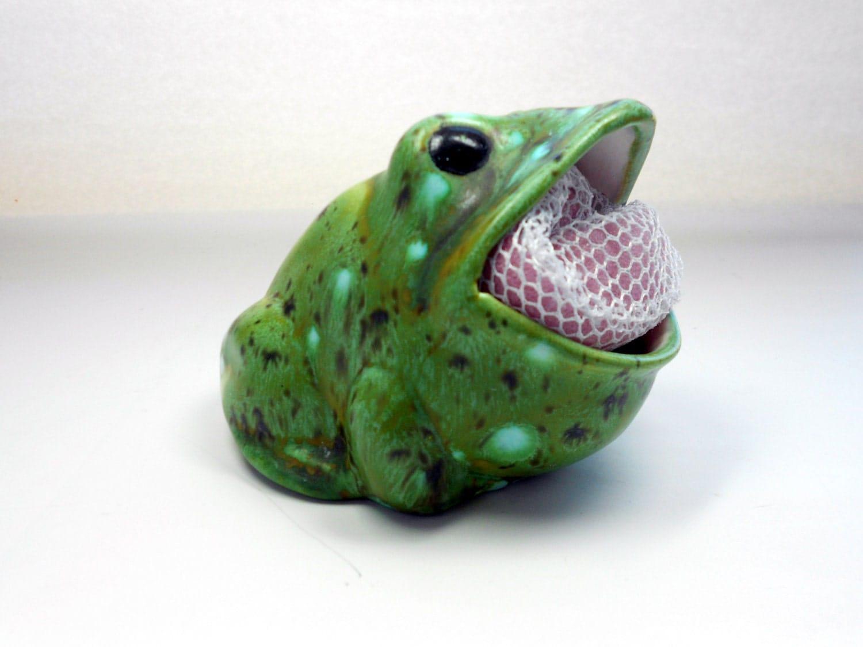 Vintage 70s green ceramic frog sponge holder for the kitchen - Frog sponge holder kitchen sink ...