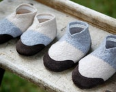 Baby Shoes, Soft Soled & Leather Bottoms, size 0-12 months, Barnyard Dance