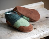 Baby Shoes, Toddler Slippers, Eco Friendly, size 12-24 months, Frog & Toad, SALE