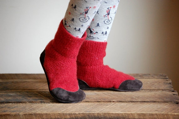 Wool Slipper Socks, Leather Soles, kids sizes 7.5, Red Rover