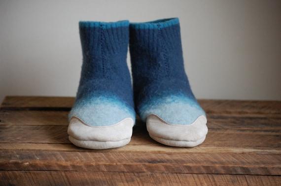Eco Friendly Children Slipper Socks, Leather Soles, youth size 2.5, A Swim in the Sea