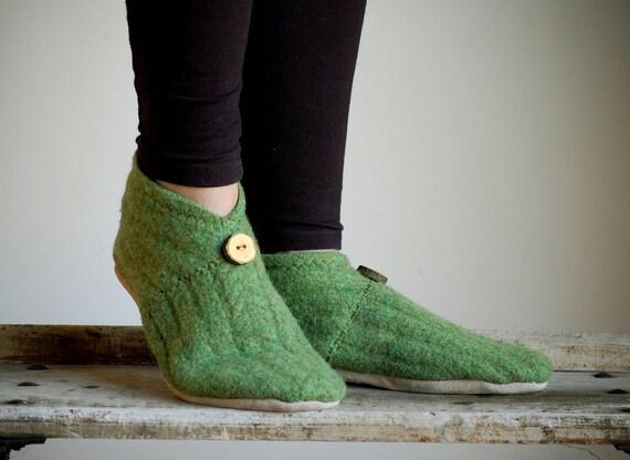 Wool Slippers, Minimalist Style, Eco Friendly, women size 9.5, Sweet Pea