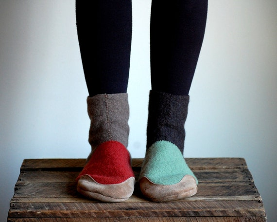Womens Wool Slippers, Eco friendly & Handmade, size 8 wide, Winter Comes