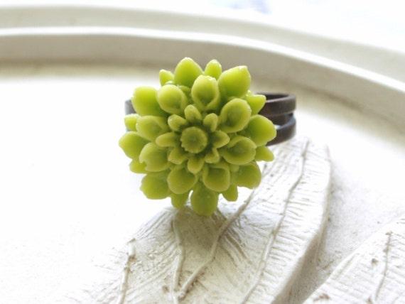 Wasabi Bloom Ring