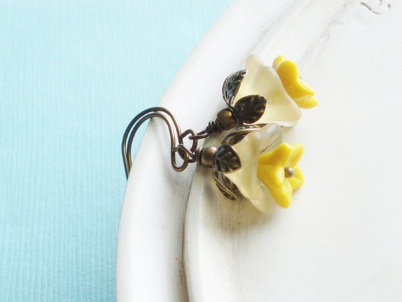 Beaded Flower Earrings - Buttercup