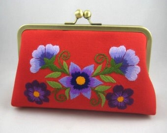 Hand Embroidery   Bridesmaid Gift   Bridesmaid Clutch   Bridesmaid Present   Bridal Shower Gift Floral