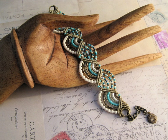 Beachy Beaded Macrame Bracelet in Waves of Turquoise and Navajo White