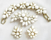 Vintage D and E, Verified DeLizza and Elster, JULIANA White Milk Glass Cabochons Bracelet, Brooch and Earrings Parure Set