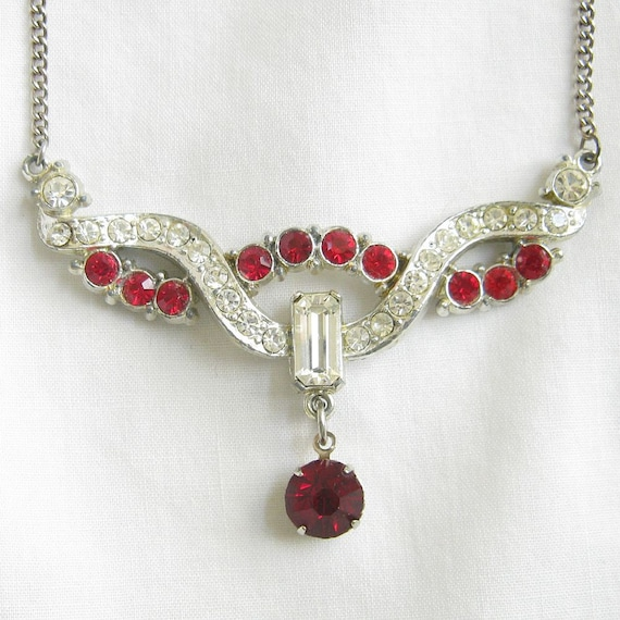 Vintage Clear and Red Glass Rhinestones Dangle Necklace