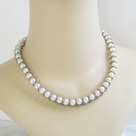 Vintage Faux Pearl and Gold Tone Spiral Beaded Necklace