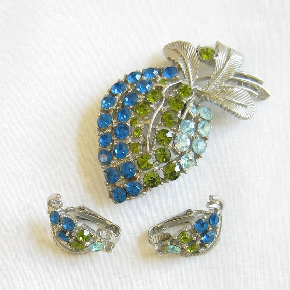 Vintage Shades of Dark and Light Blue and Olivine Rhinestones Berry Brooch or Pin and clip Earrings Demi Parure Set