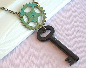 Antique Skeleton Key Necklace - Gear