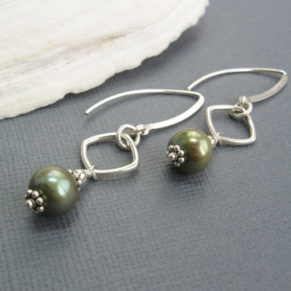 Sterling Silver Diamond Shaped Green Pearl Chic Earrings - ICE-E