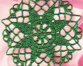 DOLLHOUSE MINIATURE CROCHETED Sparkle Metallic Green And Fahli Green Center Piece