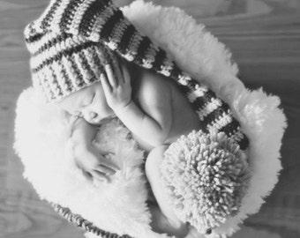 Photo Prop Elf Hat with Large Pom Pom