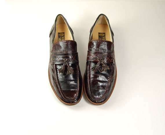 1970s All leather kilt loafers / Burgundy  Eel skin  tassel  flat ankle booties /   Womens shoes 8 8.5