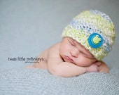 HaNd-KniT SOFT  HAT for BaBy- blue, green, white with FrOg- 3 Sizes