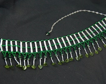 emerald leaf and catedral bead ladder adjustable necklace