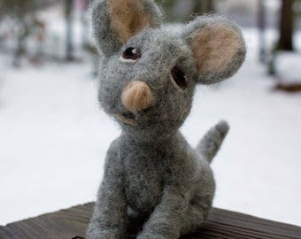 Felted Miniature Mouse Wool Sculpture