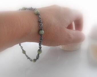 Green Garnet. Sterling Silver Knot Link Bracelet. Rustic Oxidized Knots Handmade Chain Links. Aroluna