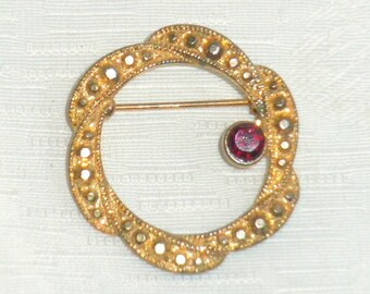 Garnet Red Circle Brooch Vintage 1940s Pin Faux Gold Marcasite