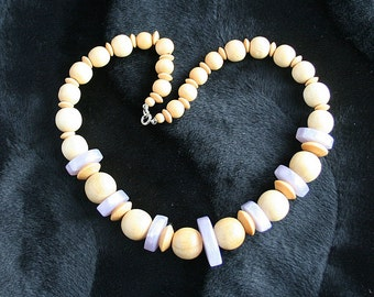 Vintage Wood Lavender Bead Necklace Purple Lucite Beads Retro 1970s