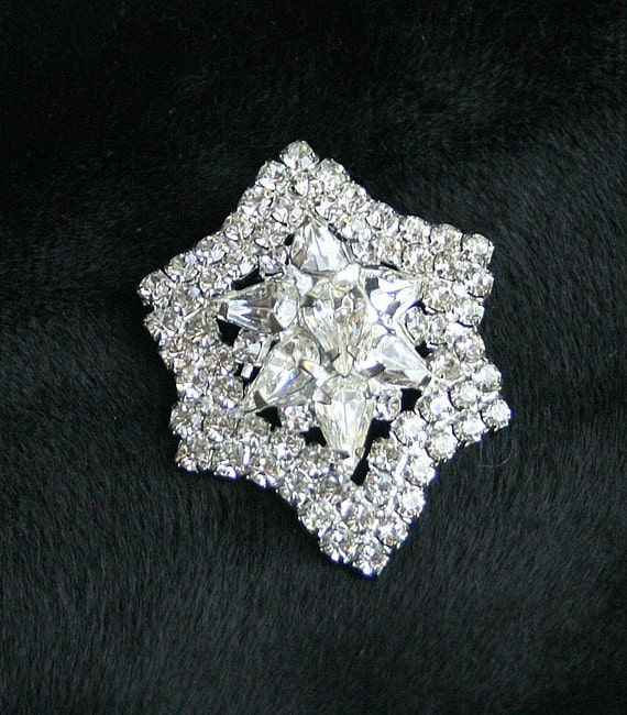 Vintage Clear Rhinestone Brooch Star Shaped Silver Domed Pin Elegant Juliana Style Sparkle Wedding Bride