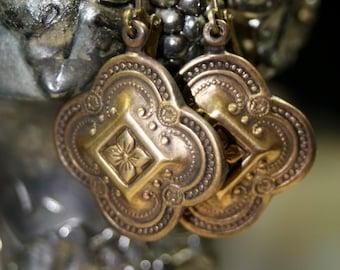 Genteel Lovely Brass Aged Earrings
