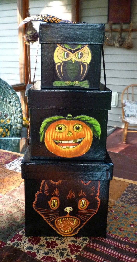 3 Vintage-Style Halloween Boxes