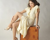 48-Hour Sale - Vintage 1940s Dress // Spring Fashion at Fab Gabs: The Vanilla Bean Wrap Dress
