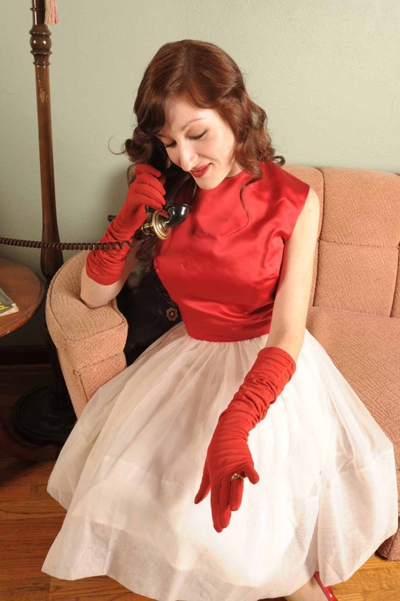 Snow White... A 1950s Red and White Party Prom Dress of Satin and Chiffon