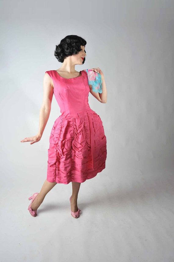 Vintage 1950s Dress // Holiday Style at Fab Gabs: The Bubble Up Hot Pink Party Dress