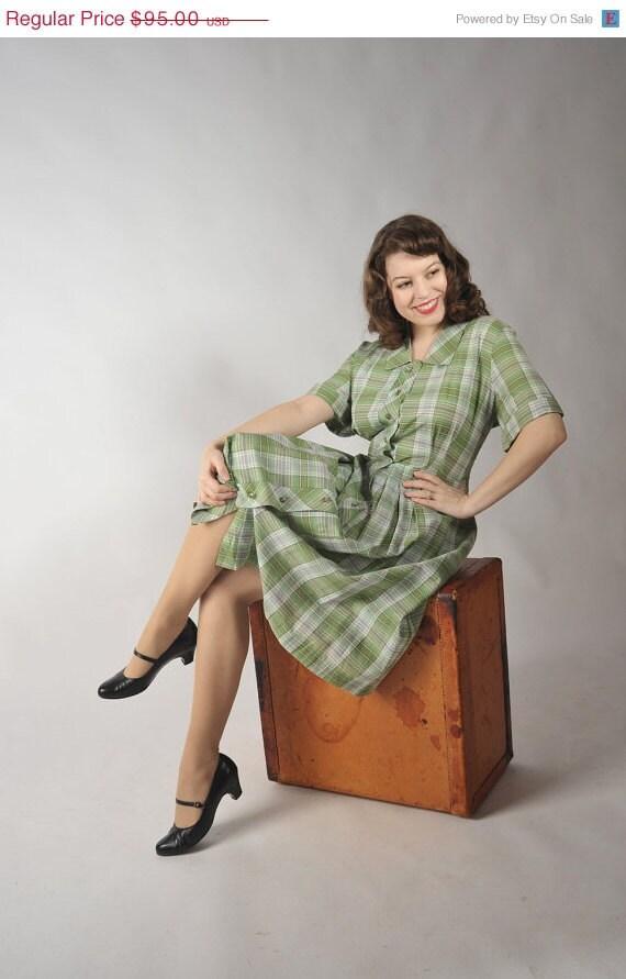 48-Hour Sale - Vintage 1950s Dress // The Apple Jack Cotton Plaid Button Front Day Dress