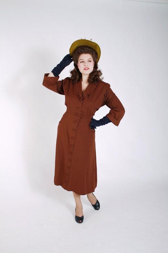 Vintage 1940s Dress // Sophisticated Brown Gabardine Day Dress L
